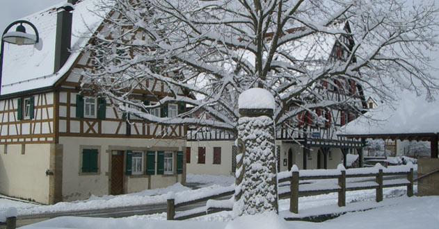 Dorfplatz-Winter