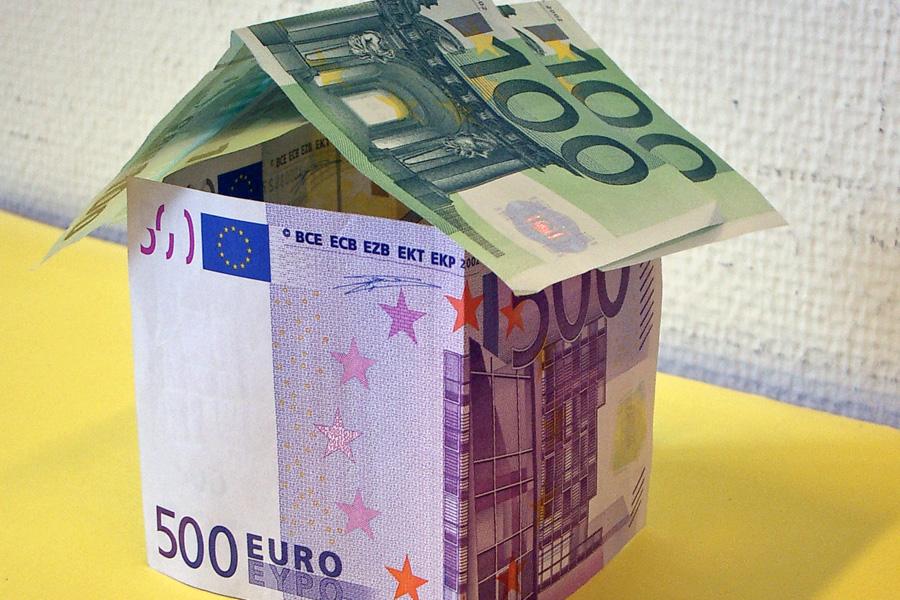 Haus aus Banknoten
