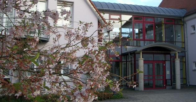 Rathaus Blüten Eingang