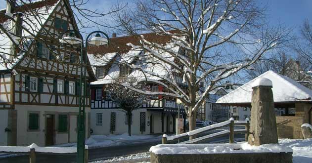 Wintermotiv Dorfplatz